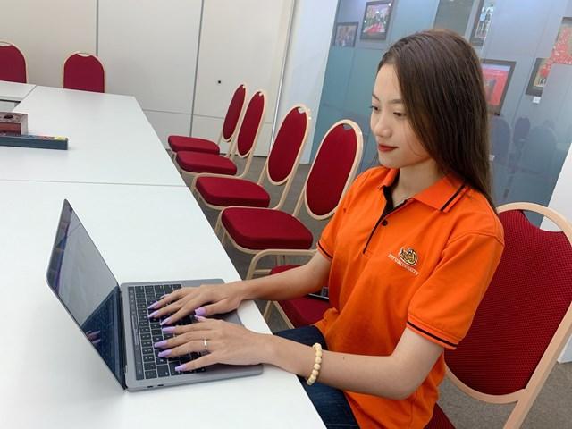 Sinh viên FPT thích thú trải nghiệm hình thức tuyển dụng trực tuyến
