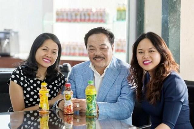 Ái nữ Tập đoàn Tân Hiệp Phát cùng ông chủ Dr Thanh.