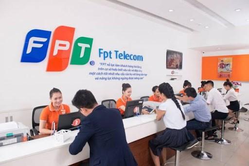 Viễn thôngFPT đặt ra doanh thu 12.700 tỷ đồng năm 2021 - Ảnh 1
