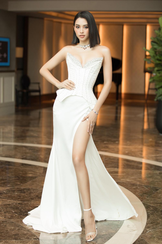 Đỗ Thị Hà nổi bật giữa dàn Hoa hậu tại họp báo Miss World Vietnam 2021 - Ảnh 7.