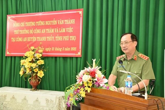 Thứ trưởng Nguyễn Văn Thành phát biểu tại buổi làm việc với Công an huyện Thanh Thủy