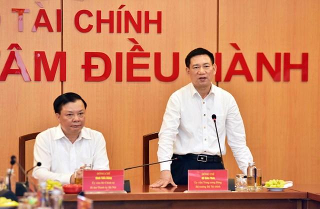 Bộ trưởng Bộ Tài chính Hồ Đức Phớc phát biểu tại hội nghị.