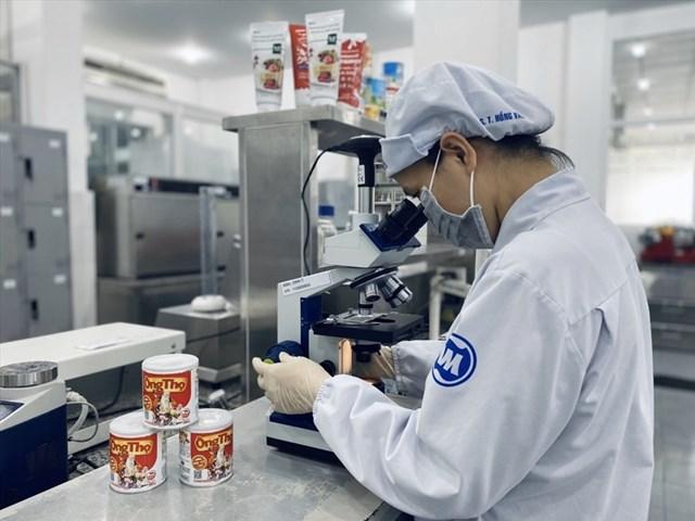 Các nhà máy Vinamilk hiện sở hữu nhiều giấy chứng nhận tiêu chuẩn quốc tế nghiêm ngặt để đảm bảo chất lượng sản phẩm. Ảnh: IT