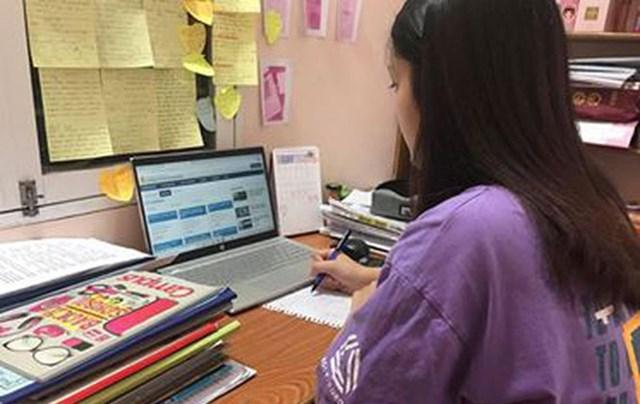 Học sinh lớp 12 ở Hà Nội sẽ làm bài kiểm tra khảo sát trực tuyến vào ngày 28, 29 và 30-5-2021. Ảnh minh họa: Nguồn internet