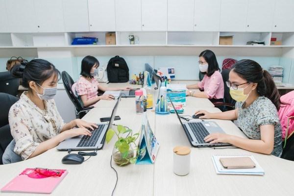 khuyến khích làm việc trực tuyến bảo đảm hiệu quả công việc và an toàn phòng dịch - Ảnh minh họa