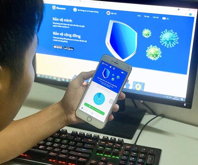 Bluezone là một trong ba ứng dụng khai báo y tế người dân có thể chọn cài để khai báo y tế điện tử phục vụ công tác phòng chống dịch Covid-19.
