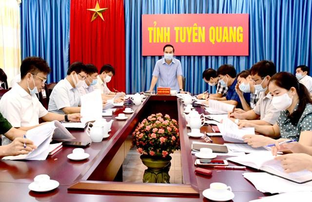 Ông Hoàng Việt Phương, Phó Chủ tịch UBND tỉnh chủ trì hội nghị - Ảnh Minh Hoa (Báo Tuyên Quang)