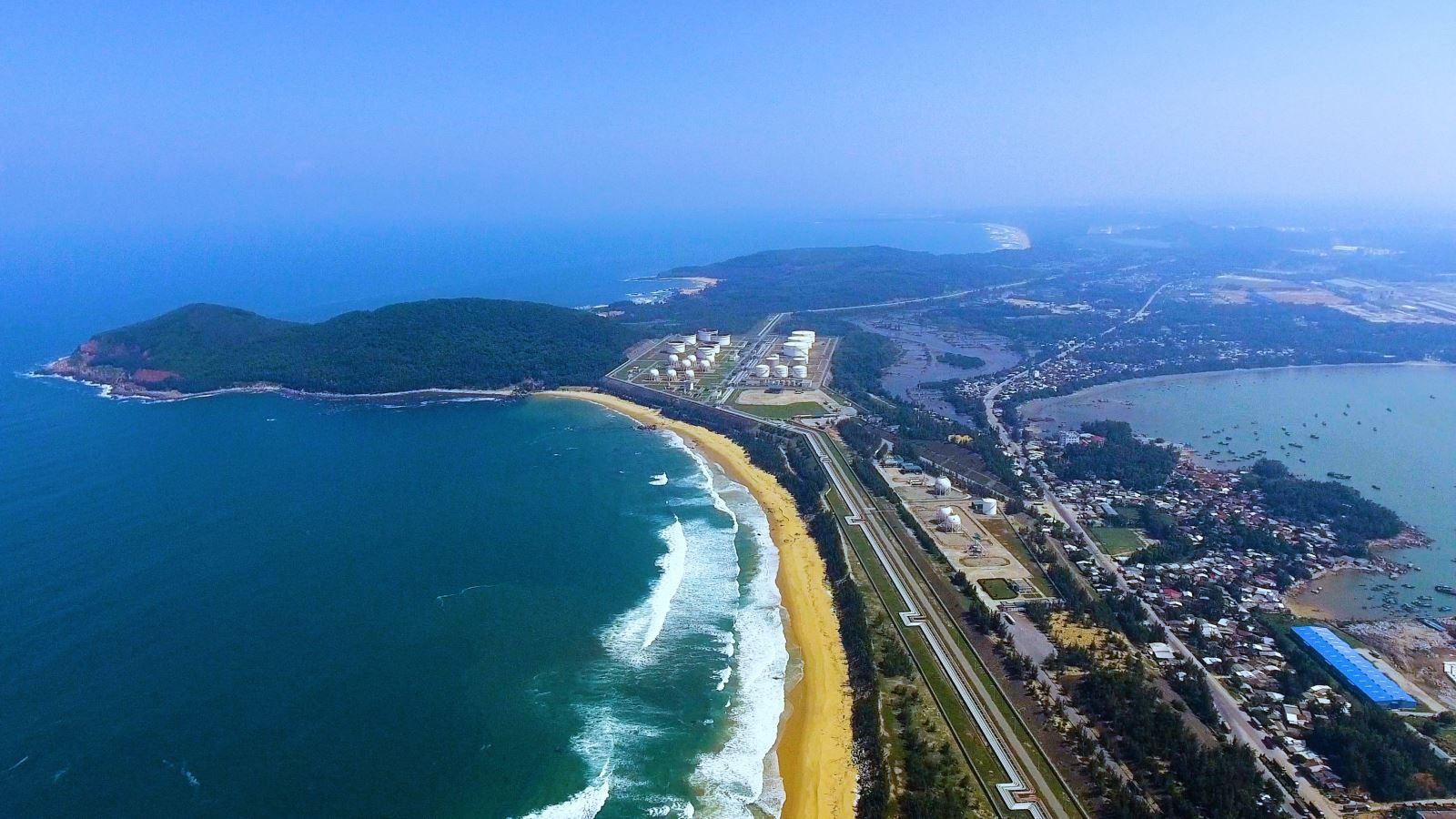 Đề xuất đất đô thị tăng mạnh hơn 5.500 ha trong điều chỉnh quy hoạch chung KKT Dung Quất - Ảnh 1.