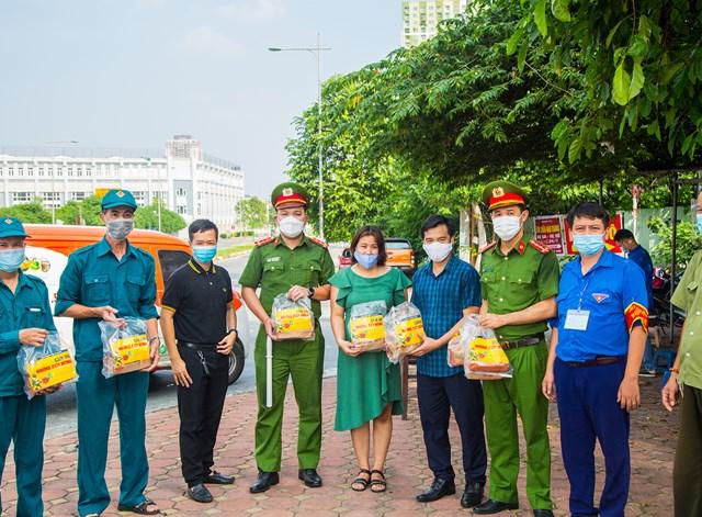 DONA Việt Nam - SAPO Bakery - KUN Bakery: Đồng hành cùng Công an quận Hà Đông đẩy lùi dịch Covid-19 - Ảnh 5