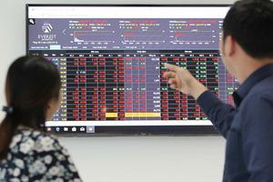 Đánh giá thị trường chứng khoán ngày 25/8: VN-Index có thể tiếp tục giảm điểm với vùng hỗ trợ gần nhất trong khoảng 1.200-1.250 điểm