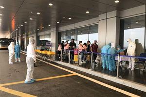 Phía sau những chuyến bay đón người Việt về Vân Đồn từ tâm dịch