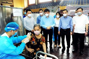 Hà Nội: Quyết liệt tăng tốc trong công tác tiêm chủng chống dịch Covid-19