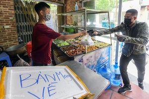 Hà Nội: Từ 12h ngày 16/9, cửa hàng ăn, uống tại một số quận huyện được bán mang về