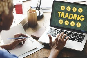 Tiền ảo và giao dịch ngoại hối trái phép: Cảnh báo thôi là chưa đủ