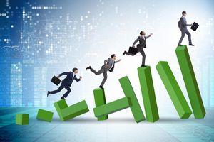 Top 10 cổ phiếu tăng/giảm mạnh nhất tuần: Cổ phiếu công ty chứng khoán tiếp tục bùng nổ