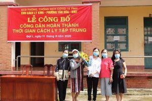 Hàng trăm người vui mừng rời khỏi khu cách ly COVID-19 ở Đắk Lắk