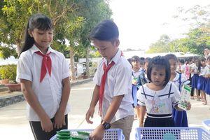 Vinamilk tiếp tục được chọn là đơn vị triển khai Sữa học đường tại Trà Vinh