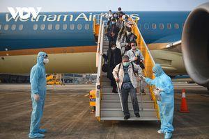 Bộ GTVT kiến nghị Hà Nội tạm cho nhân viên hàng không sử dụng giấy đi đường mẫu cũ