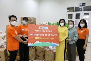 ShopeeFood và HLHPN TP.HCM trao 1.000 giỏ quà đến phụ nữ và trẻ em gặp khó khăn