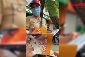 Video: 'Thương vụ' ngã giá gấp 5 lần của 'cò' sách lớp 6 tại Hà Nội