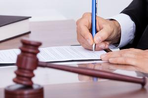 Xử phạt 2 nhà đầu tư do không công bố thông tin về việc dự kiến giao dịch