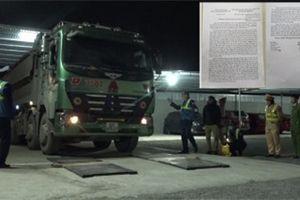 Xe quá tải cày nát đê Hữu Hồng: CSGT quyết xử lý, UBND huyện chưa phản hồi