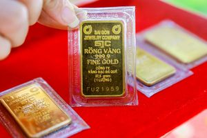 Giá vàng hôm nay 15/10: Vàng tăng lên cao nhất 4 tuần