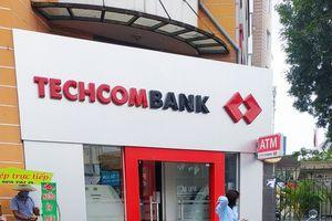 Người nhà lãnh đạo Techcombank đã mua xong 300.000 cổ phiếu TCB