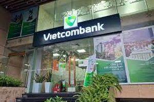 'Ông lớn' Vietcombank và nhiều ngân hàng tư nhân đồng loạt hạ lãi suất cho vay