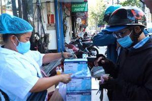 Video: Người dân TP.HCM đổ xô mua khẩu trang phòng dịch COVID-19
