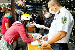 TP Hồ Chí Minh: Người dân kêu bị bỏ sót, phường lo chính sách bị lợi dụng