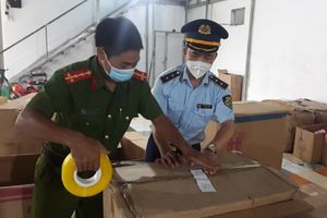 Nam Định: Phát hiện kho chứa đồ chơi Trung thu có quy mô lớn