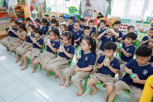 """Sữa học đường giúp phụ huynh nhẹ gánh hơn với """"lợi ích kép"""""""