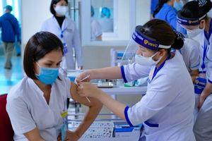Hà Nội: Chấn chỉnh việc các địa phương ra văn bản về trả phí tiêm vaccine