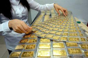 Giá vàng hôm nay 22/8: Giá vàng giảm trong bối cảnh USD tăng cao
