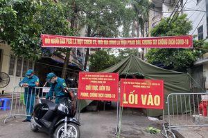"""Hà Nội: Những câu chuyện thời """"chống dịch"""""""
