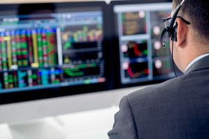Đánh giá thị trường chứng khoán ngày 24/5: VN-Index có thể hướng về ngưỡng 1300 vào tuần giao dịch tiếp theo