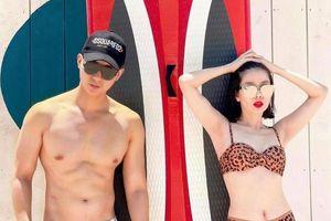 Lệ Quyên diện bikini bên tình trẻ
