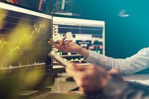 Đánh giá thị trường chứng khoán 25/5: Nắm giữ các vị thế trong danh mục, tạm ngừng các hoạt động giải ngân mới