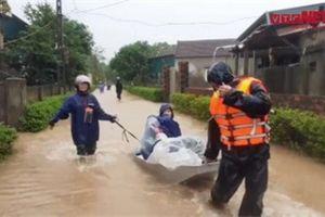 Video: Sơ tán khẩn cấp hơn 4000 người dân tại Cẩm Xuyên, Hà Tĩnh