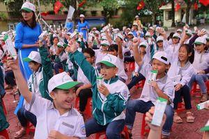 """Hà Nam phát động """"Chương trình Sữa học đường"""" năm học 2020-2021"""