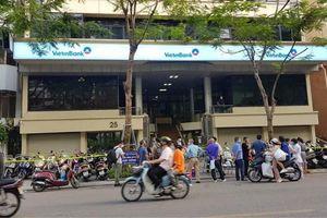 Nữ nhân viên ngân hàng nhiễm COVID-19 chỉ ở trong Hà Nội hai tháng nay