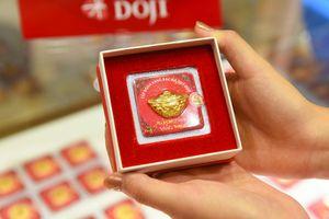 Giá vàng hôm nay 24/7: Vàng giảm giá do chịu áp lực từ đồng USD