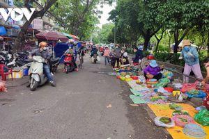 TP.HCM dừng chợ tự phát, cấm tụ tập quá 3 người nơi công cộng