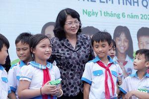 Vinamilk đem niềm vui uống sữa đến với 34.000 trẻ em Quảng Nam