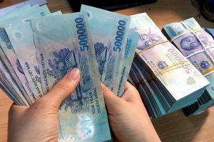 Loạt người nhà lãnh đạo ngân hàng bị phạt vì mua bán chứng khoán không công bố thông tin