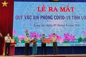 Trần Anh Group ủng hộ 10.000 liều vaccine vào Qũy vaccine phòng Covid-19 tỉnh Long An