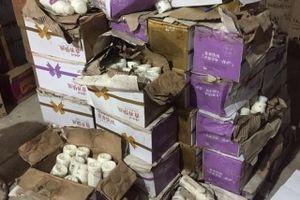 Thu giữ 10 ngàn chai sữa chua Trung Quốc không có giấy tờ tại Hà Nội