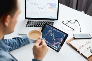 Giao dịch chứng khoán khối ngoại tuần 10-14/8: Xả mạnh VHM, nhà đầu tư ngoại bán ròng tới 850 tỷ đồng