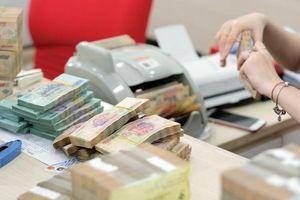 Lãi suất liên ngân hàng duy trì trên 1%